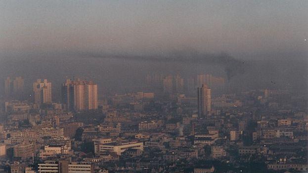 El elevado índice de contaminación que padecen muchas ciudades chinas está repercutiendo en la salud de sus ciudadanos. (CC)