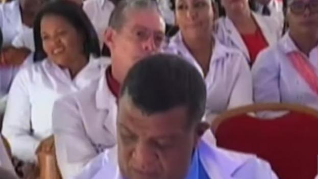 La contratación de médicos cubanos es muy polémica en Kenia, dado el índice de desempleo de los galenos locales. (Captura)