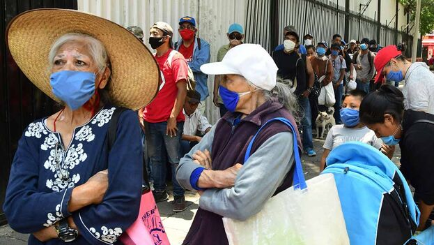 La crisis por el coronavirus dejó 3,8 millones de nuevos pobres durante 2020 en México. (EFE)