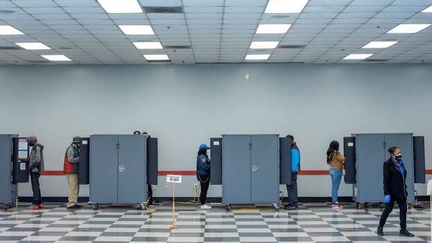 La mayoría de estados están decididos antes de las elecciones ya sea por los márgenes que indican las encuestas o por su histórico electoral. (EFE)