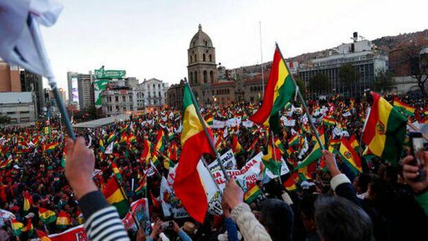 """Un llamamiento a la """"desobediencia civil democrática"""" y a votar solo a quienes cumplen la Constitución fueron otras reivindicaciones. (EFE)"""