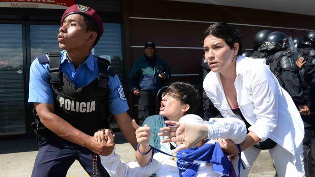 Las detenciones fueron masivas este domingo en Managua y provocaron de nuevo el rechazo de la comunidad internacional. (LaPrensa)