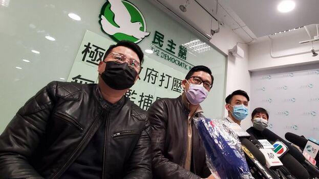Tres de los detenidos en la redada de este jueves no han sido liberados. (@hkfp)