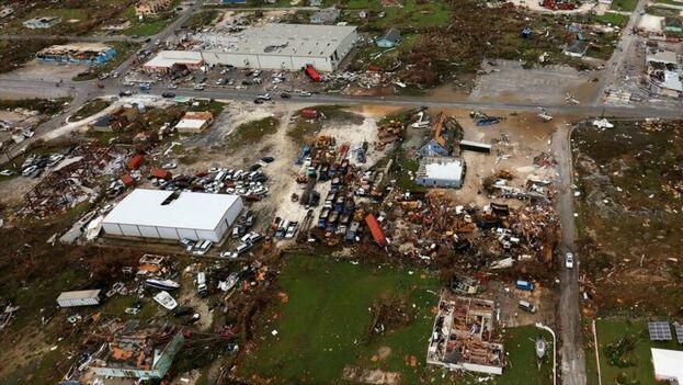 La devastación en Bahamas no tiene precedentes, con destrucción de casas, negocios y edificios que quedaron arrasados total o parcialmente.  (EFE)