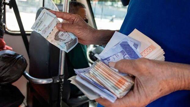 La digitalización del bolívar, que ahora el Gobierno presenta como algo novedoso, es una realidad desde hace varios años. (EFE)