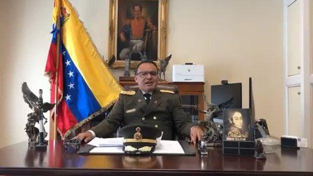 """El militar aseguró que """"un gran porcentaje de los diplomáticos"""" venezolanos en EE UU """"no está de acuerdo con la usurpación de Maduro. (@EfectoCocuyo)"""