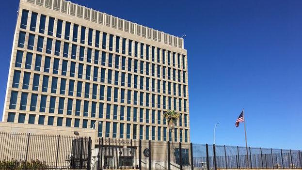 La embajada de EE UU en La Habana. (14ymedio)