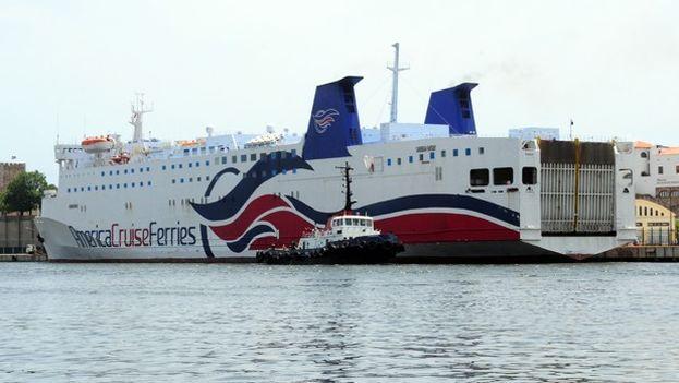 Una de las embarcaciones de la compañía American Cruise Ferries