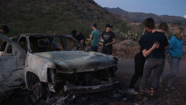 En la zona del ataque se encontró un vehículo calcinado y hasta 200 casquillos de balas. (Cuartoscuro)