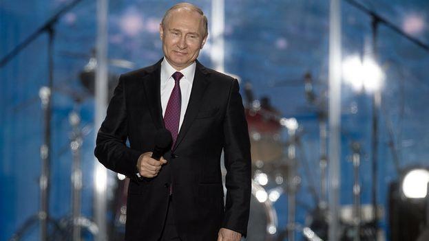 Las últimas encuestas conceden a Putin una intención de voto del 70%. (@KremlinRussia_E)