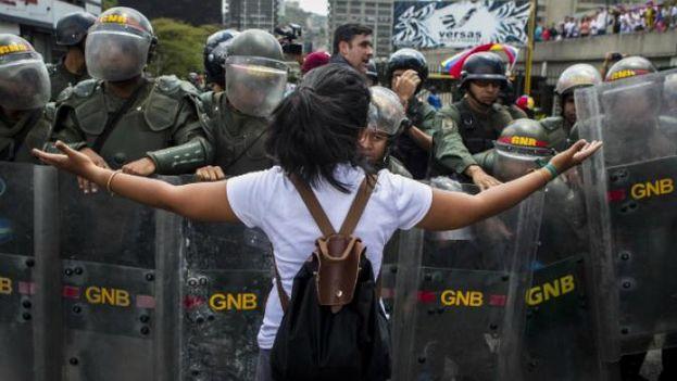 FANB enfrenta las horas oscuras del fascismo en defensa de Venezuela