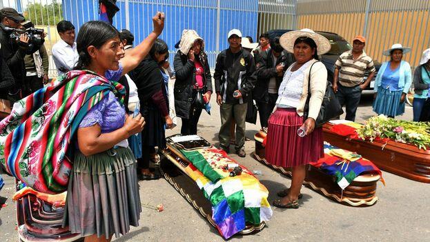 Los duros enfrentamientos del viernes dejaron nueve muertos y más de cien heridos. (EFE)