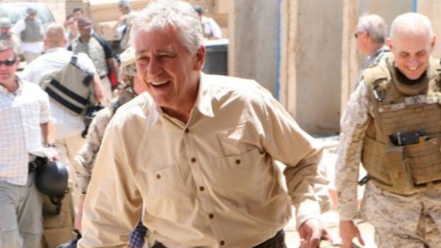 El entonces senador Chuck Hagel en una visita a Iraq en el 2008