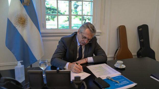 Hay tensión en el entorno del Gobierno de Alberto Fernández. (EFE)