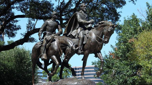 La estatua fue inaugurada en 1936 por el presidente estadounidense Franklin D. Roosevelt (1933-1945) como parte de los actos de celebración por el centenario del estado de Texas. (keranews.org)