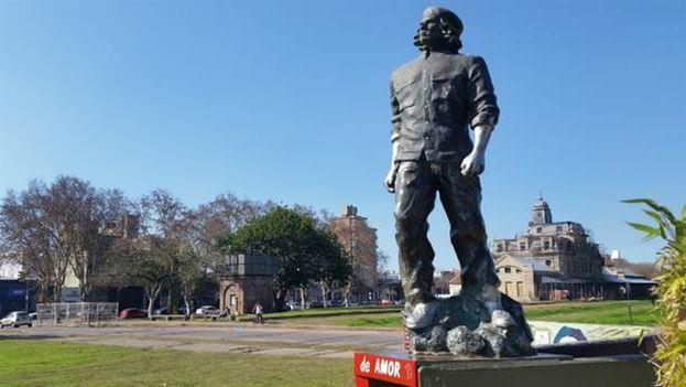 La estatua del Che en Rosario. (Google StreetView)