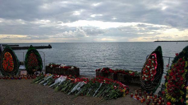 El avión militar ruso se estrelló el domingo, día de Navidad, en el mar Negro con 92 personas a bordo. (Twitter)