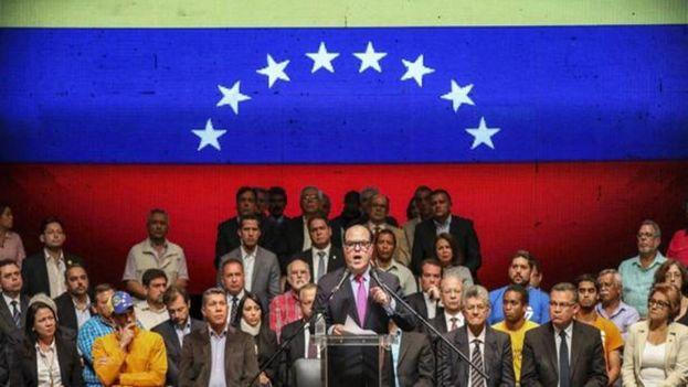 La eurocámara reconoce la labor de la oposición venezolana por defender la democracia en un escenario tan adverso.