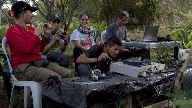 Los exguerrilleros intentan volver a la vida civil después de años en la lucha armada. (EFE)