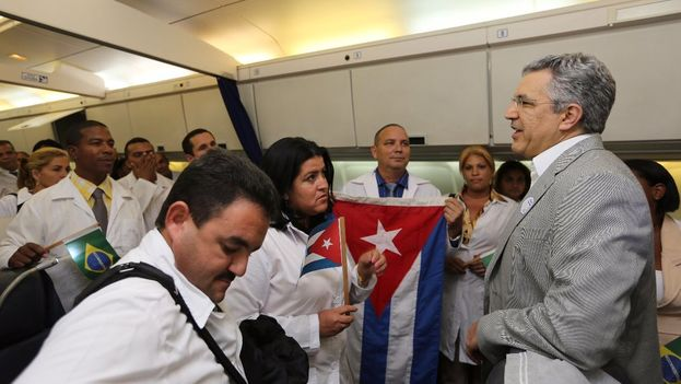 El exministro de Salud brasileño afirma que los médicos brasileños no querían ir a zonas remotas y hubo que buscar alternativas. (Karina Zambrana)