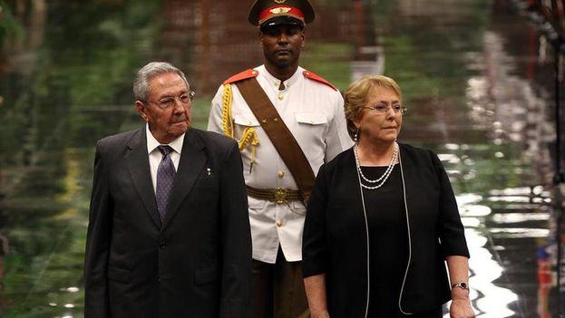 La última vez que la expresidenta chilena visitó Cuba fue en enero de 2018. (EFE)