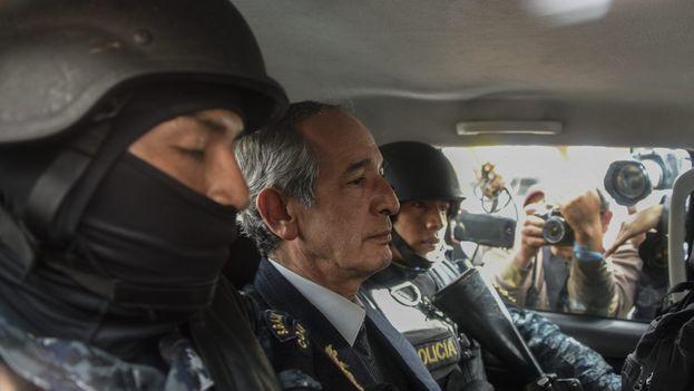 El expresidente Álvaro Colom fue detenido por el desvío de dinero de 35 millones de dólares con el transporte de Guatemala. (EFE)