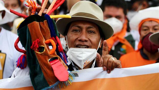 Con algo más de 17 millones de habitantes, en Ecuador la población que se identifica como indígena ronda apenas el 7%. (EFE/José Jácome)