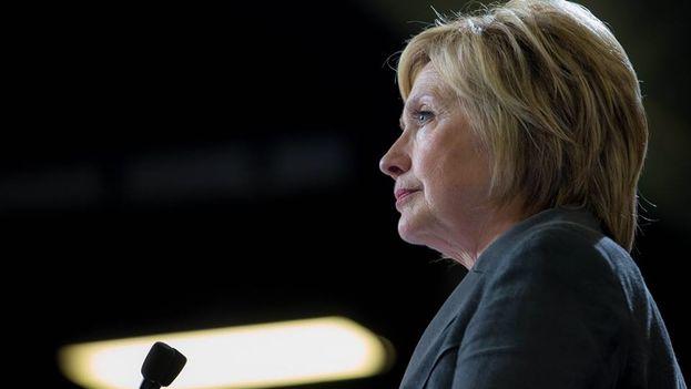 El 73% de los hispanos tiene intención de votar a Clinton, según la encuesta. (Facebook)