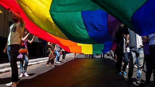 Protestan contra matrimonios gay en México