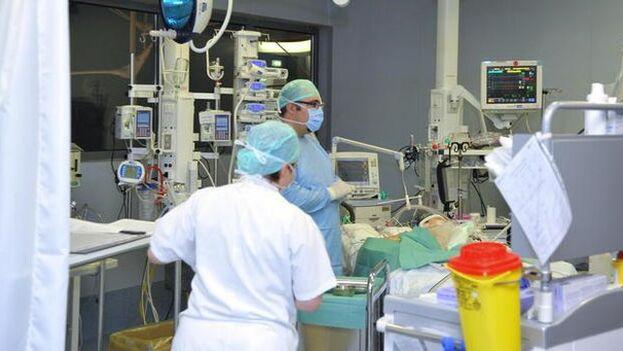 Los hospitales de Lombardía, la región más rica de Italia, están colapsados. (ANSA)