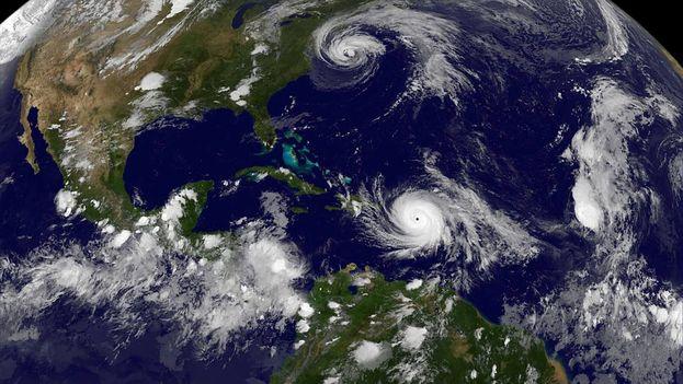 El huracán María a su paso por Puerto Rico. (Twitter)