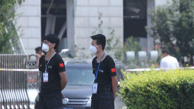 La protección resulta imprescindible ante la toxicidad de los productos químicos almacenados en los contenedores que explotaron en Tianjin. (CC)