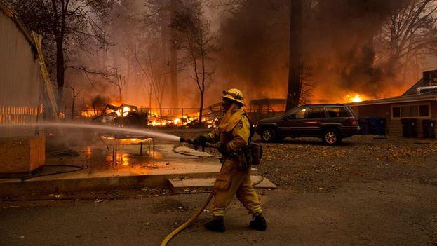 Los incendios de gravedad en California son cada vez más frecuentes y violentos. (EFE)