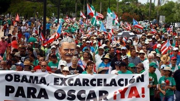 Una marcha por la liberación del independentista Oscar Lopez Rivera. (EFE)