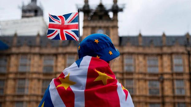 Los ingleses ahora pierden el acceso a la sanidad europea, lo que estos últimos años les había permitido hacer largos viajes por Europa. (EFE)