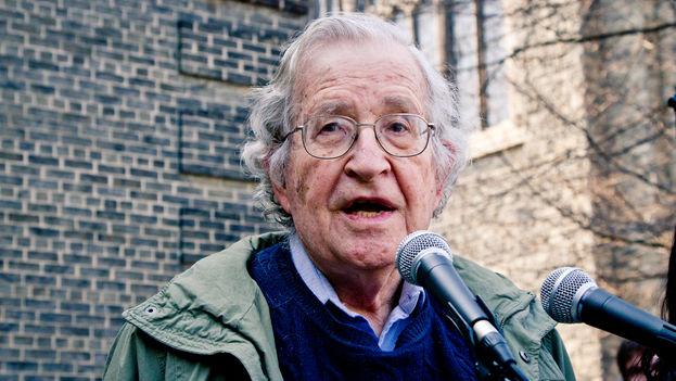 El lingüista y filósofo Noam Chomsky en Toronto en 2011. (CC)