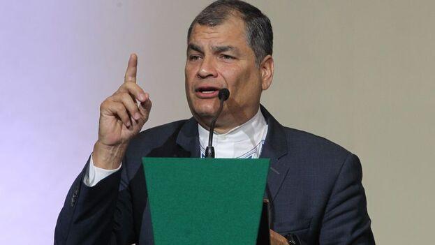 El magistrado decidió enviar al Ministerio de Economía una orden para que se elimine la pensión vitalicia que recibía Correa. (EFE)