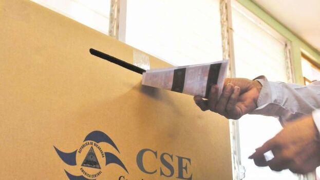 Los magistrados del CSE aprobaron este jueves el calendario electoral, el mismo día en que juraron su cargo y tomaron posesión en la Asamblea Nacional. (EFE)