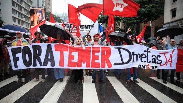 La manifestación fue convocada por sindicatos que inicialmente protestarían sólo contra reformas de corte liberal impulsadas por el Gobierno. (EFE)