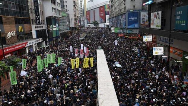 Una de las manifestaciones en Hong Kong el año pasado, en protesta por la ley de extradición. (EFE/EPA/Jérôme Favre)