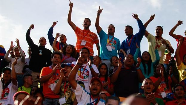 Este miércoles hubo manifestaciones a favor y en contra del presidente Nicolás Maduro. (EFE)