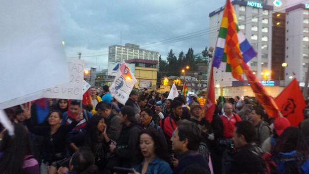Los manifestantes exigen ante la Fiscalía la liberación de los detenidos en las manifestaciones contra el Gobierno. (@CONAIE_Ecuador)