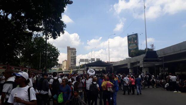 Los manifestantes han empezado a congregarse desde primera hora de la mañana.