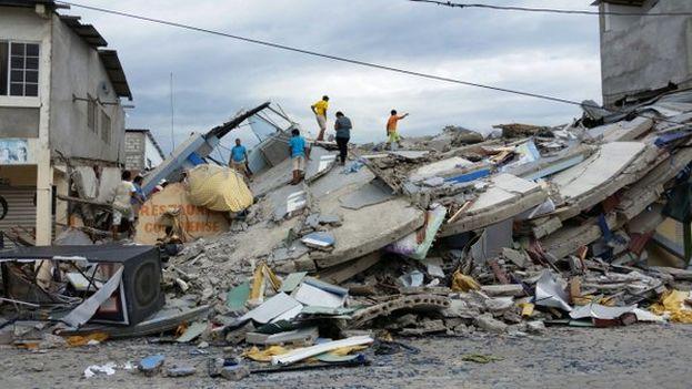 Las pérdidas materiales tras el terremoto de Ecuador podrían alcanzar los 3.000 millones de dólares. (@unicefecuador)