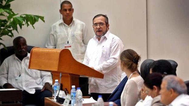 "El líder máximo de las FARC, Rodrigo Londoño, alias ""Timochenko""."