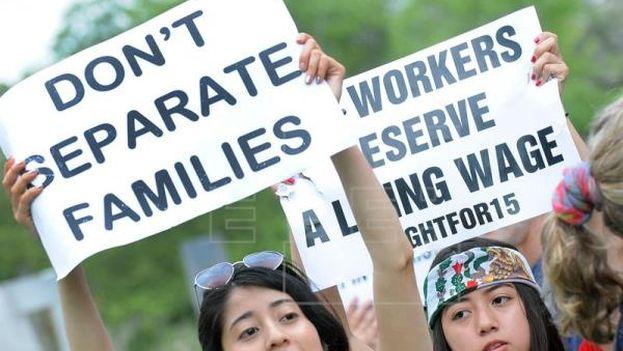 Se pone fin inmediato al memorando por el cual se eximía temporalmente de la deportación a padres de hijos regularizados. (EFE)