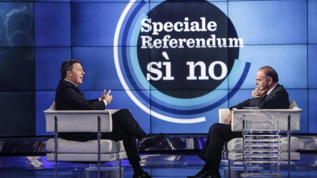 El primer ministro italiano, Matteo Renzi, a la izquierda. (EFE)