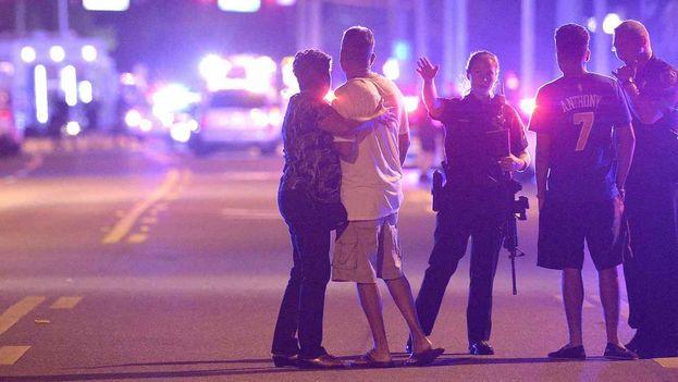 Al menos 50 muertos en el tiroteo a discoteca de Orlando (CC)
