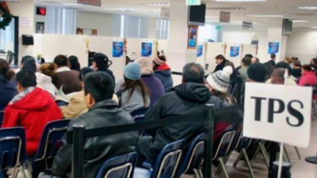 Más de 5.000 personas de nacionalidad nicaragüense se quedan ahora en un limbo tras la supresión del programa. (NoticieroHechos)