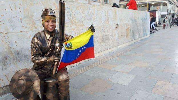 La nostalgia, los recuerdos de lo que vivieron en su país y un sueño de regresar en el futuro, son sentimientos compartidos por estos migrantes venezolanos. (14ymedio)